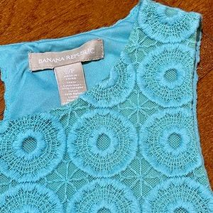 Banana Republic sleeveless blue lace top (EUC)